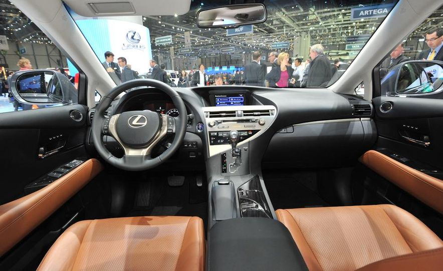 2013 Lexus RX450h - Slide 8