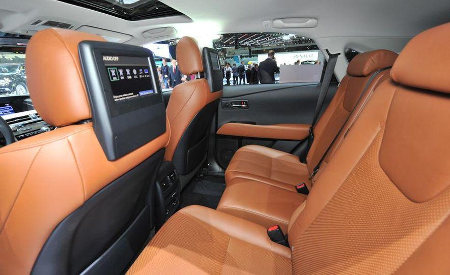 2013 Lexus RX450h - Slide 9