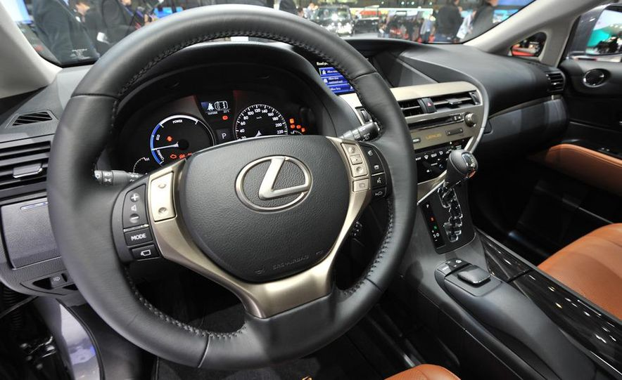 2013 Lexus RX450h - Slide 10