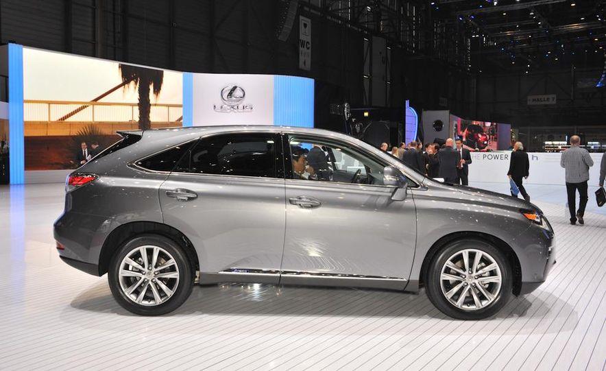 2013 Lexus RX450h - Slide 2