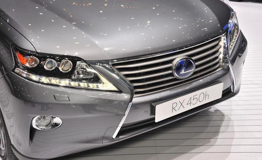 2013 Lexus RX450h - Slide 6