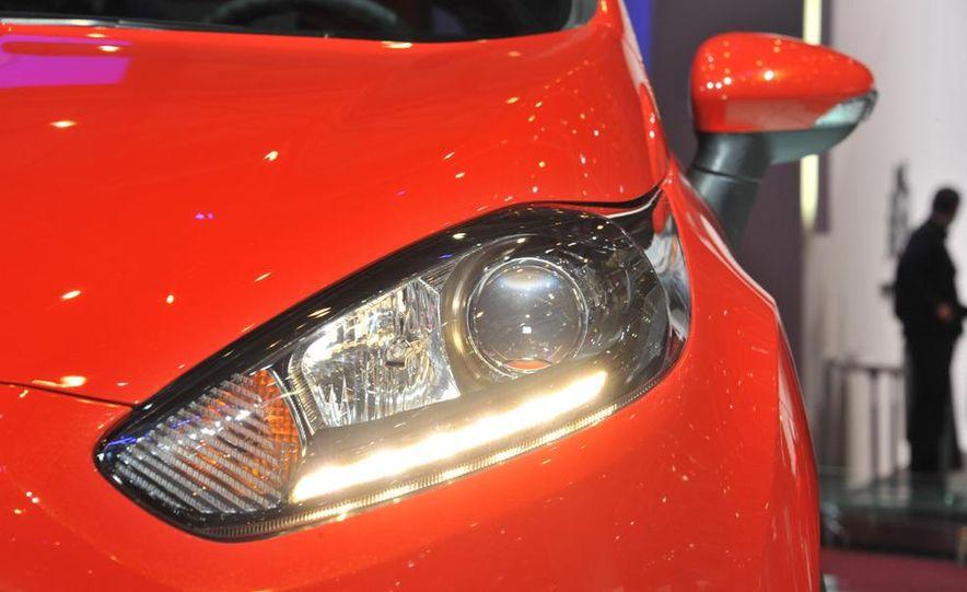 2013 Ford Fiesta ST 3-door - Slide 6