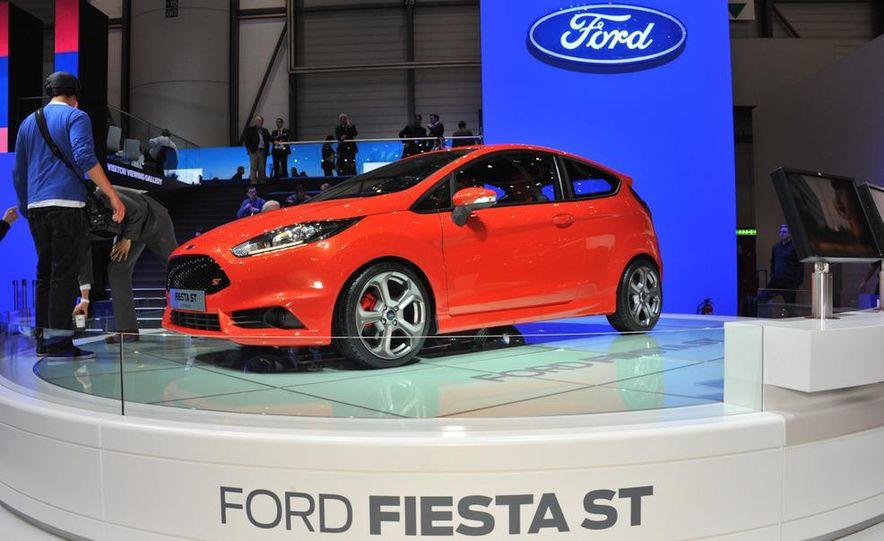 2013 Ford Fiesta ST 3-door - Slide 1