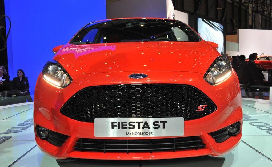 2013 Ford Fiesta ST 3-door - Slide 4