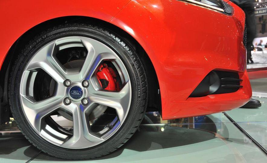 2013 Ford Fiesta ST 3-door - Slide 7