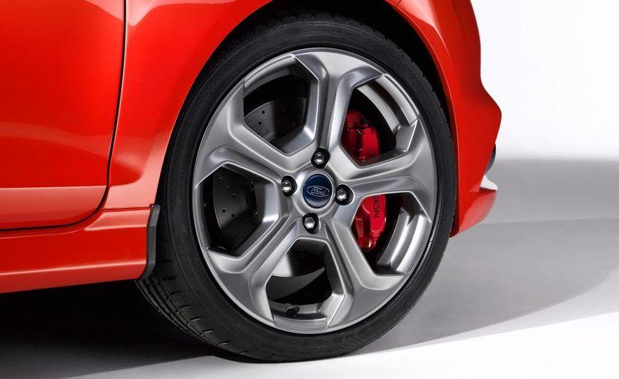 2013 Ford Fiesta ST 3-door - Slide 30