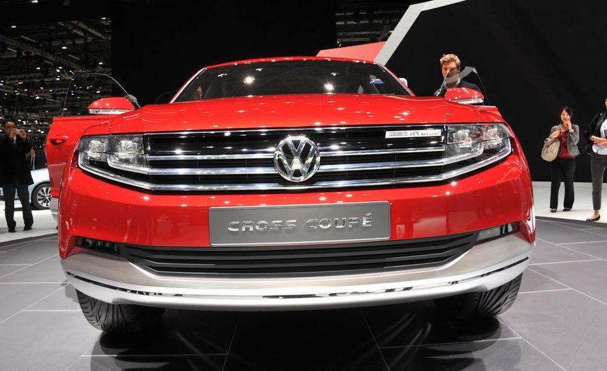 Volkswagen Cross Coupe' TDI Hybrid concept - Slide 1