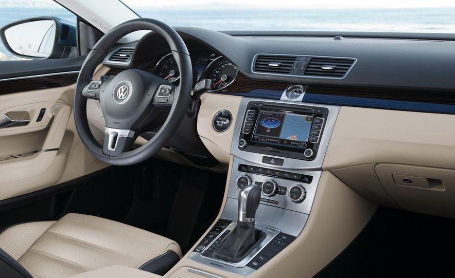 2013 Volkswagen CC - Slide 21