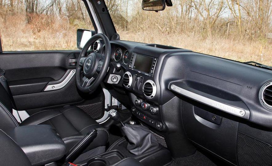 2012 Jeep Wrangler Sahara - Slide 24