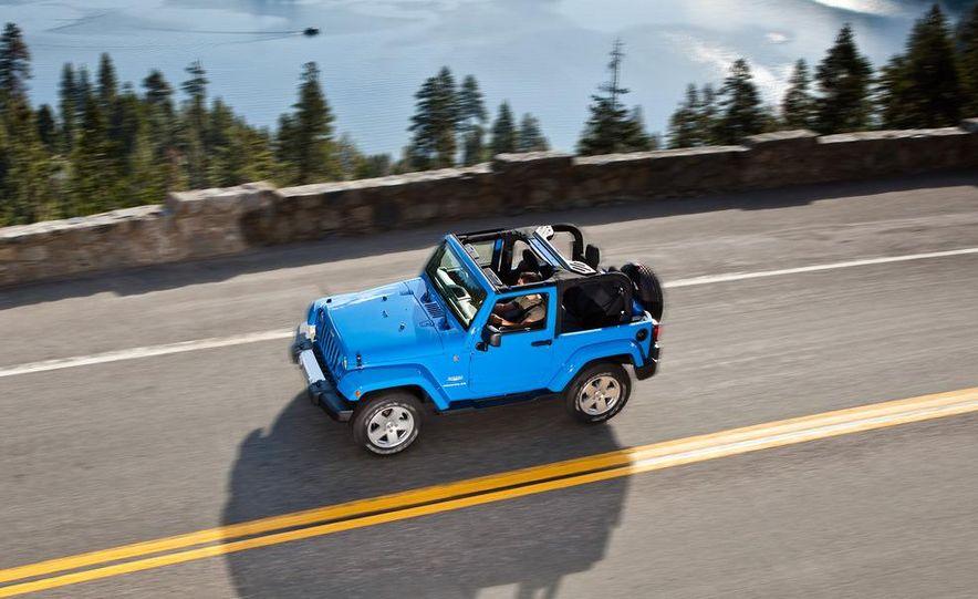 2012 Jeep Wrangler Sahara - Slide 37