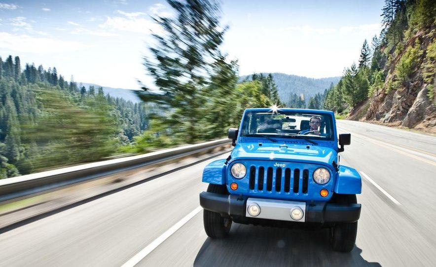 2012 Jeep Wrangler Sahara - Slide 35