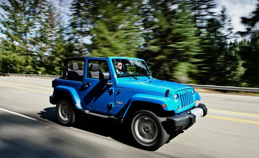 2012 Jeep Wrangler Sahara - Slide 33