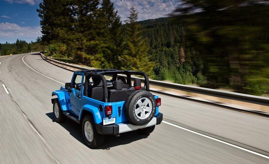 2012 Jeep Wrangler Sahara - Slide 36