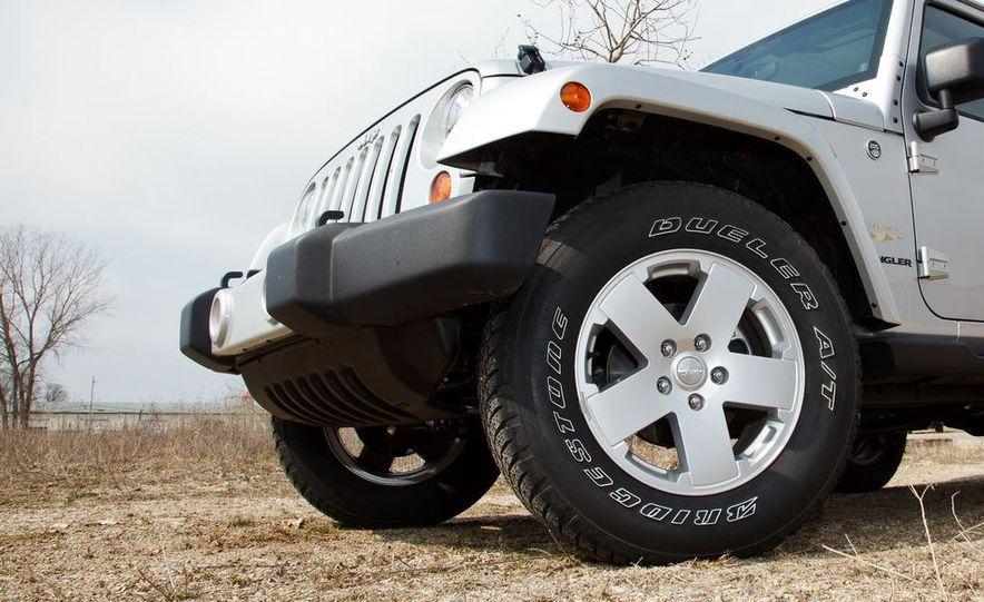 2012 Jeep Wrangler Sahara - Slide 2