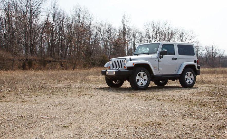 2012 Jeep Wrangler Sahara - Slide 4