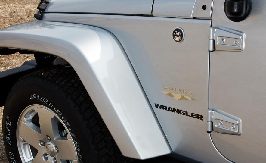 2012 Jeep Wrangler Sahara - Slide 10