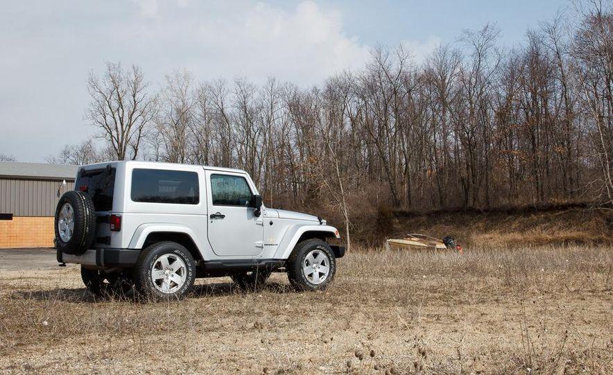 2012 Jeep Wrangler Sahara - Slide 14