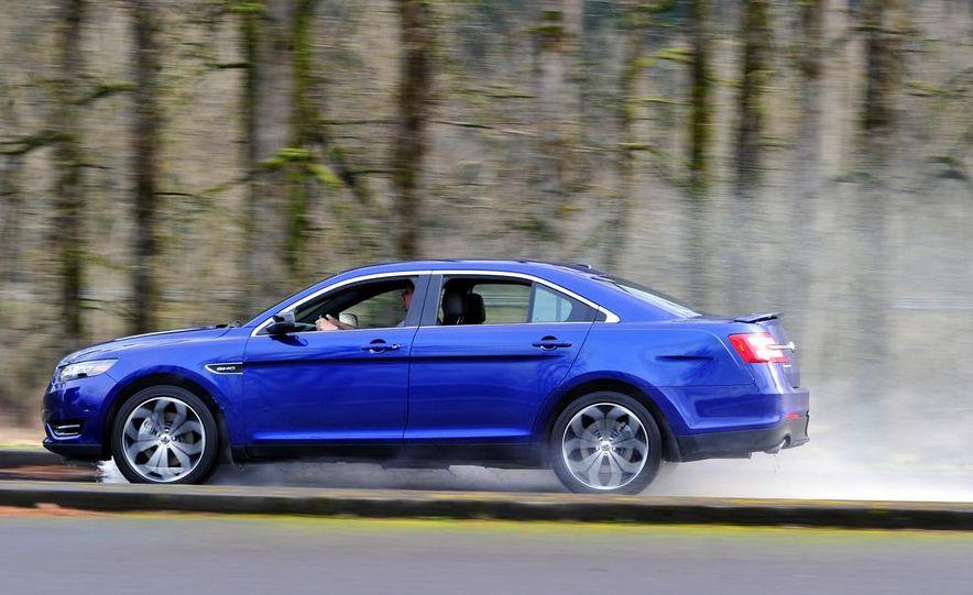 2013 Ford Taurus SHO - Slide 9