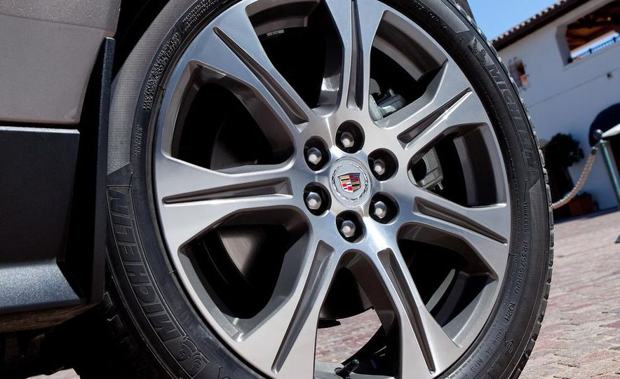 2013 Cadillac SRX (spy photo) - Slide 19