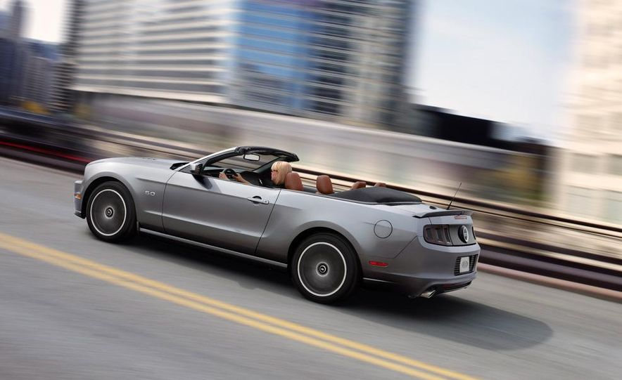 2013 Ford Mustang GT convertible - Slide 8