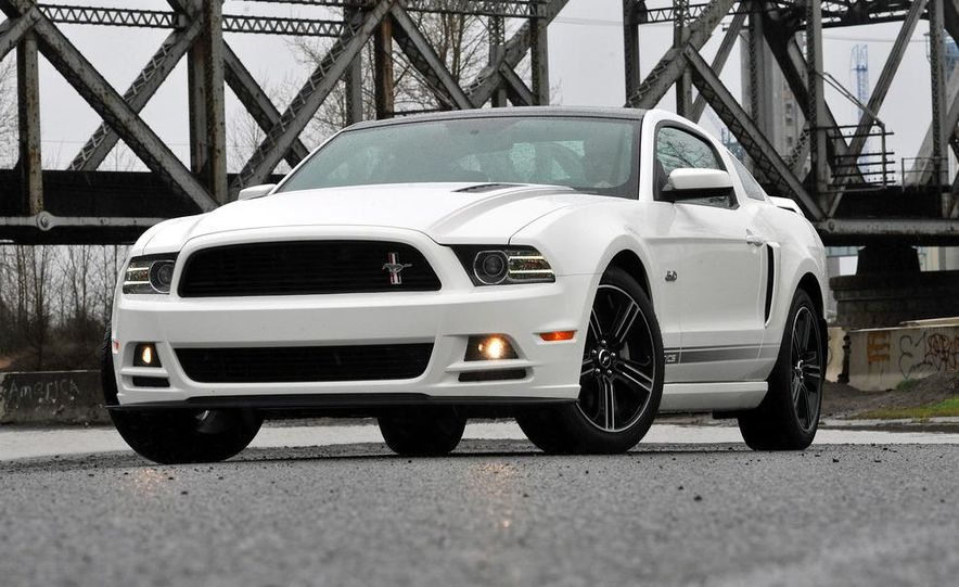 2013 Ford Mustang GT convertible - Slide 49