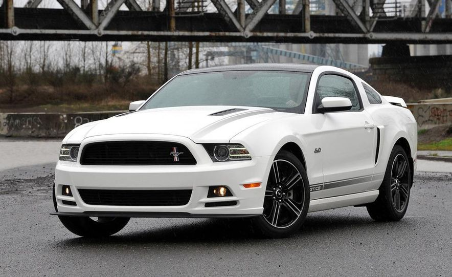 2013 Ford Mustang GT convertible - Slide 51