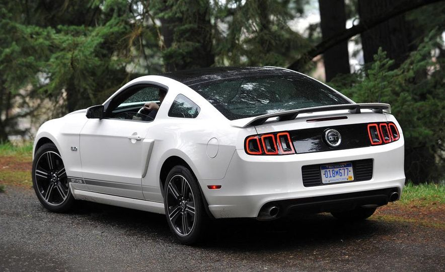 2013 Ford Mustang GT convertible - Slide 56
