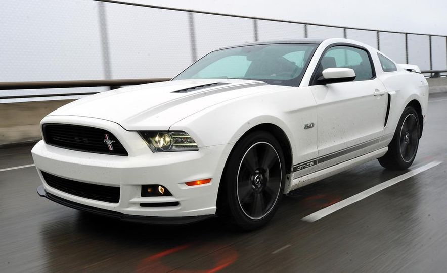 2013 Ford Mustang GT convertible - Slide 52