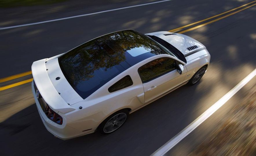 2013 Ford Mustang GT convertible - Slide 57