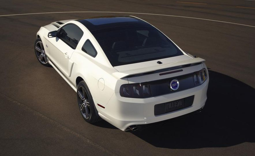 2013 Ford Mustang GT convertible - Slide 58