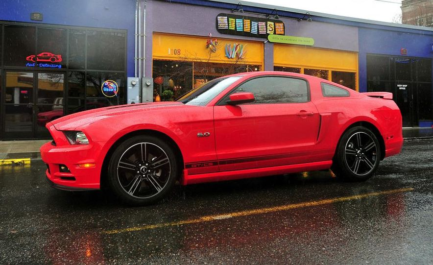 2013 Ford Mustang GT convertible - Slide 63