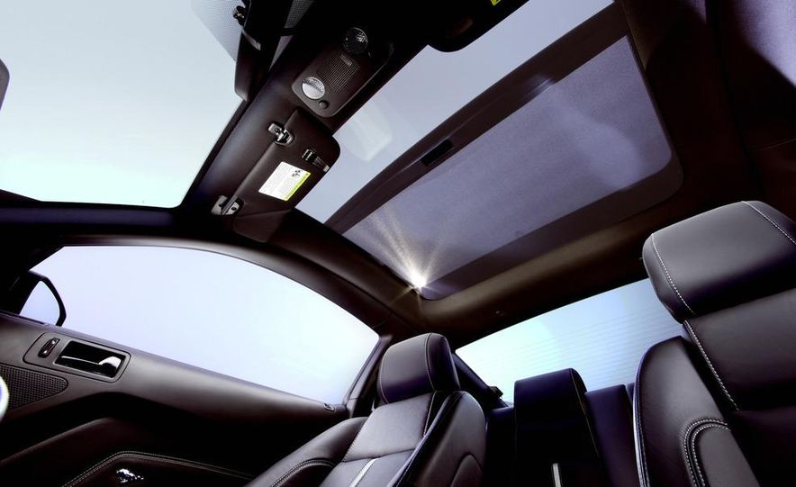 2013 Ford Mustang GT convertible - Slide 46