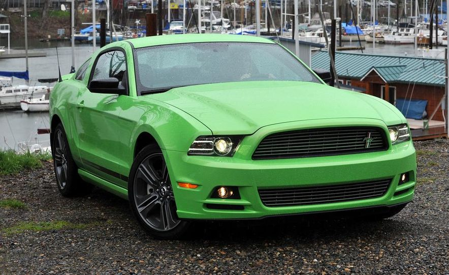 2013 Ford Mustang GT convertible - Slide 25