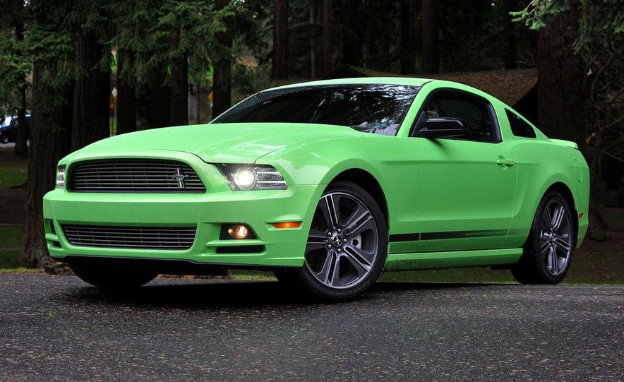 2013 Ford Mustang GT convertible - Slide 20