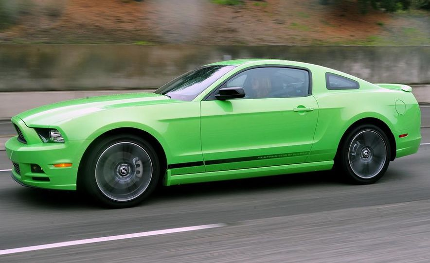 2013 Ford Mustang GT convertible - Slide 28