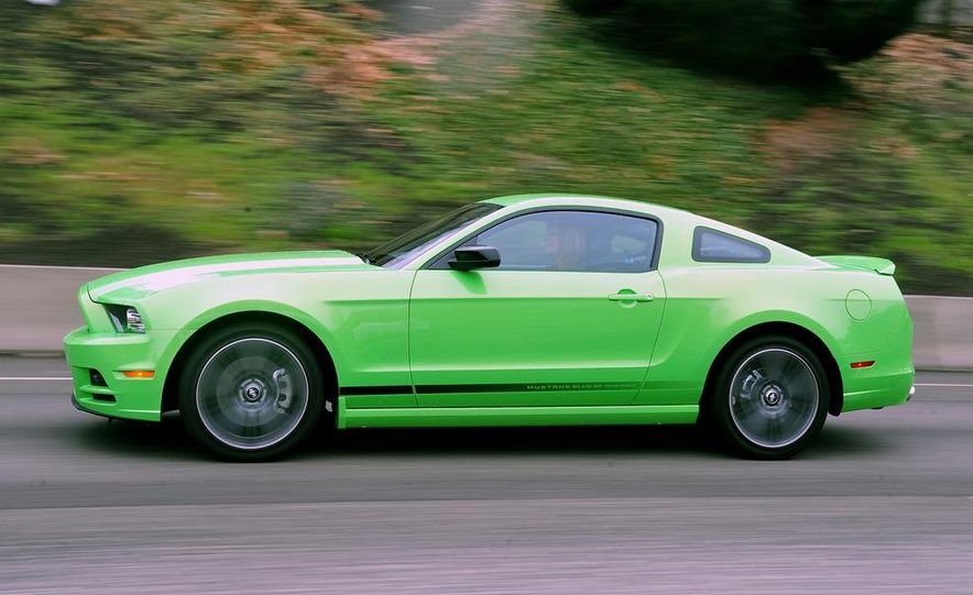 2013 Ford Mustang GT convertible - Slide 30