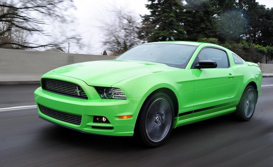 2013 Ford Mustang GT convertible - Slide 27