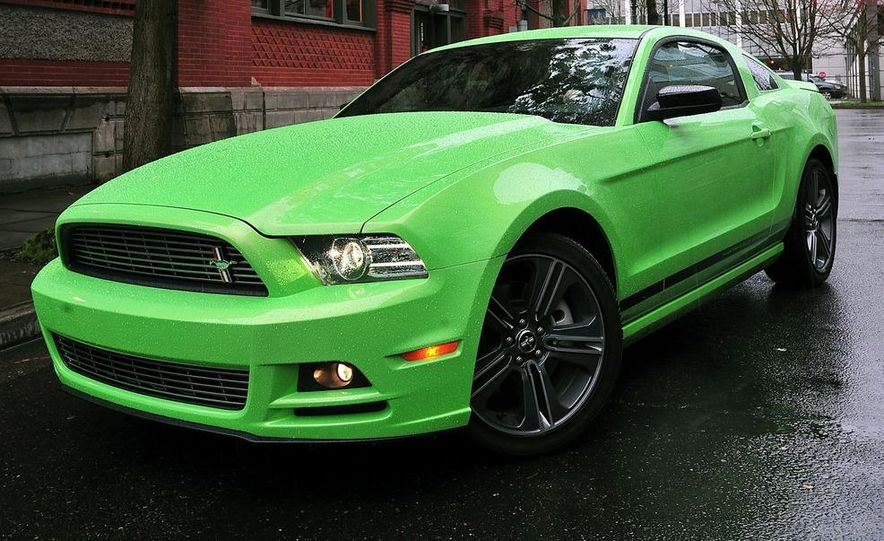 2013 Ford Mustang GT convertible - Slide 18