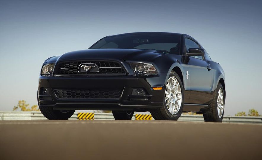 2013 Ford Mustang GT convertible - Slide 39