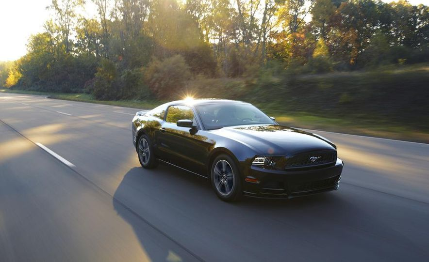 2013 Ford Mustang GT convertible - Slide 40