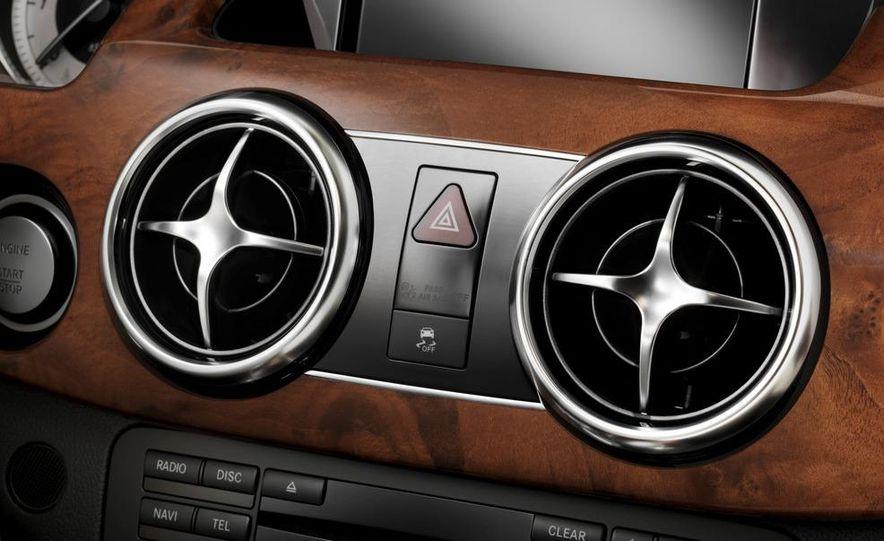 2013 Mercedes-Benz GLK350 - Slide 42