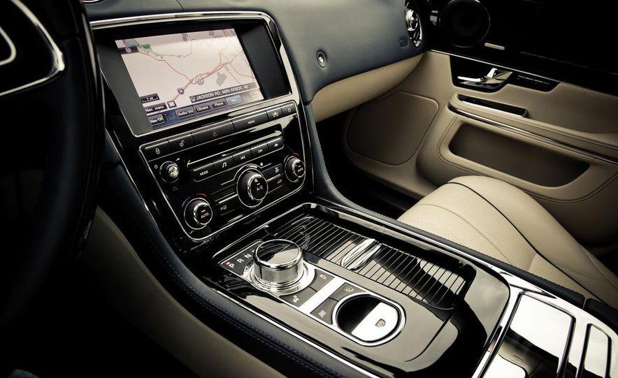 2012 Jaguar XJL Supersport - Slide 28