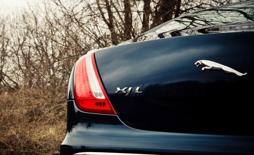 2012 Jaguar XJL Supersport - Slide 14