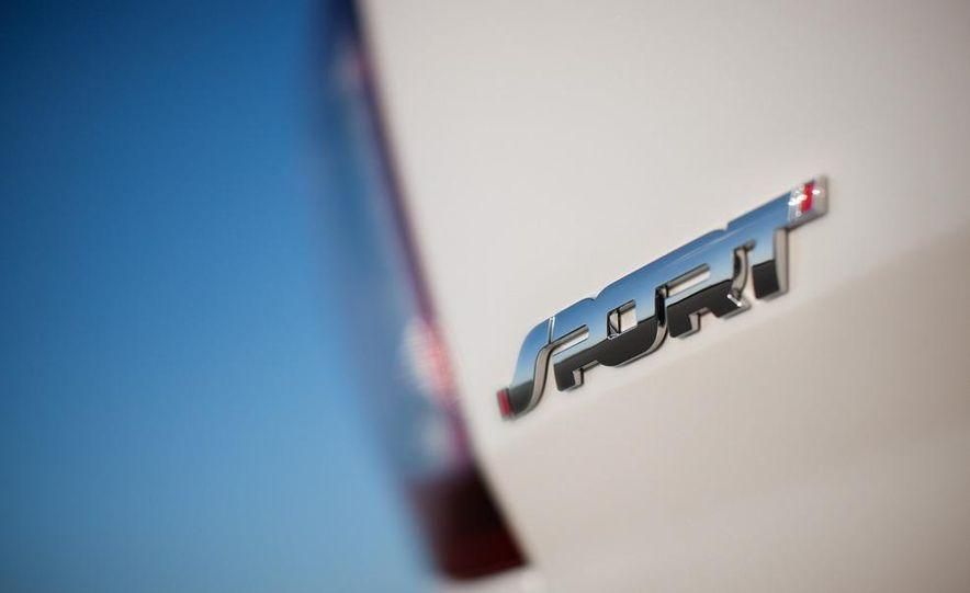 2013 Ford Explorer Sport - Slide 26