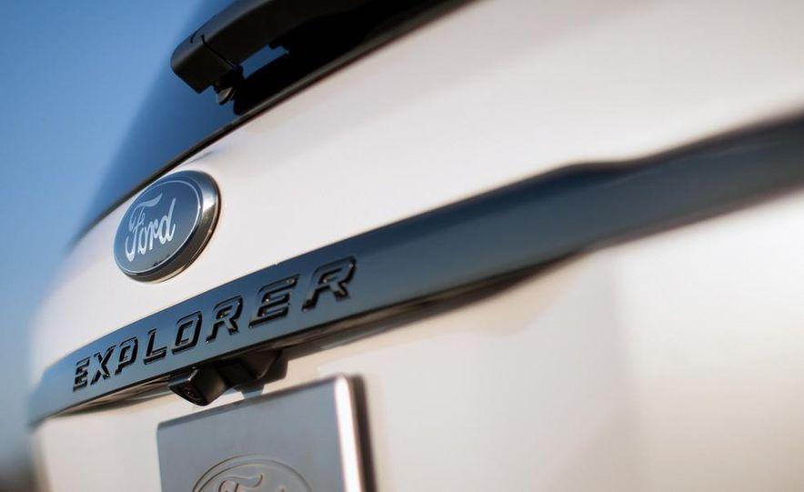 2013 Ford Explorer Sport - Slide 27