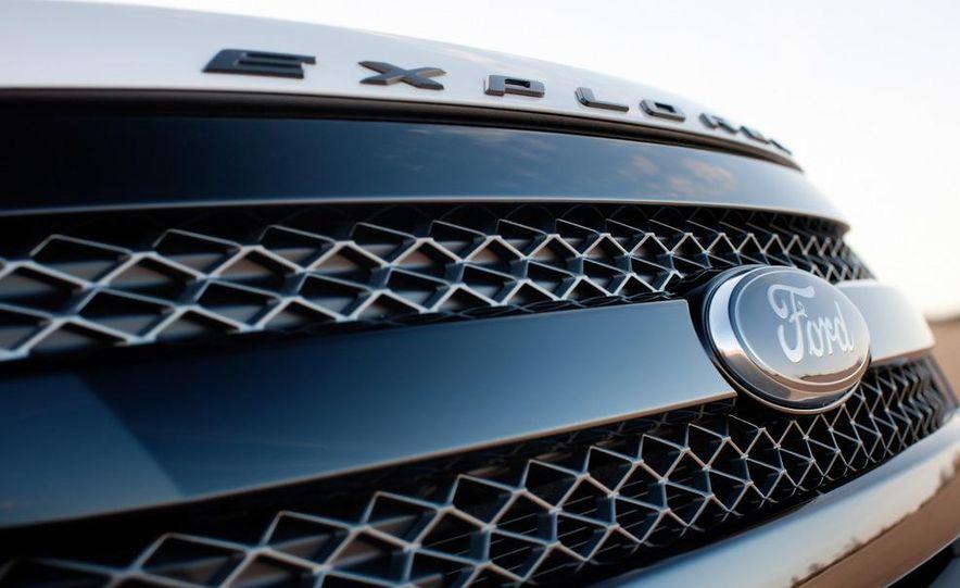2013 Ford Explorer Sport - Slide 30