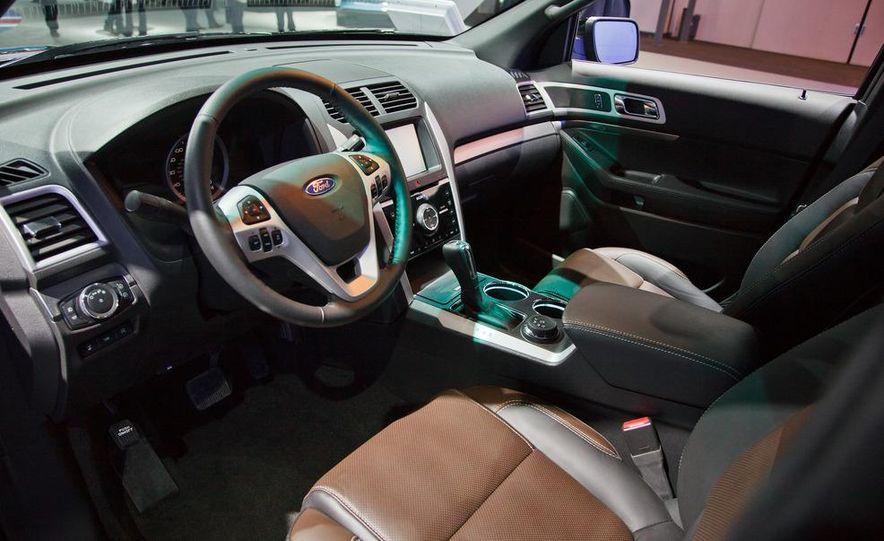 2013 Ford Explorer Sport - Slide 11