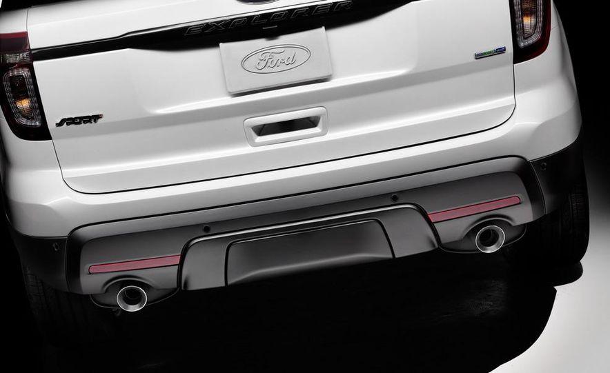 2013 Ford Explorer Sport - Slide 19