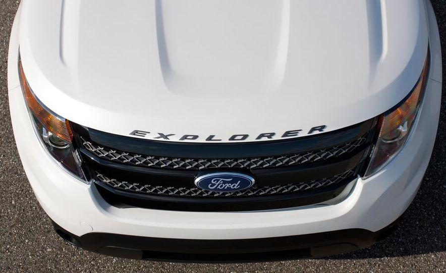 2013 Ford Explorer Sport - Slide 25