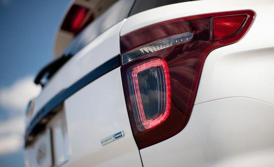 2013 Ford Explorer Sport - Slide 29
